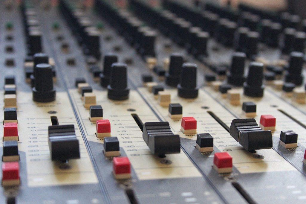 mixing desk, music, mixing-994710.jpg